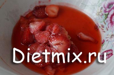 Детская манная каша с ягодами, пошаговый рецепт с фото